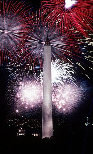 300px-Fourth_of_July_fireworks_behind_the_Washington_Monument,_1986